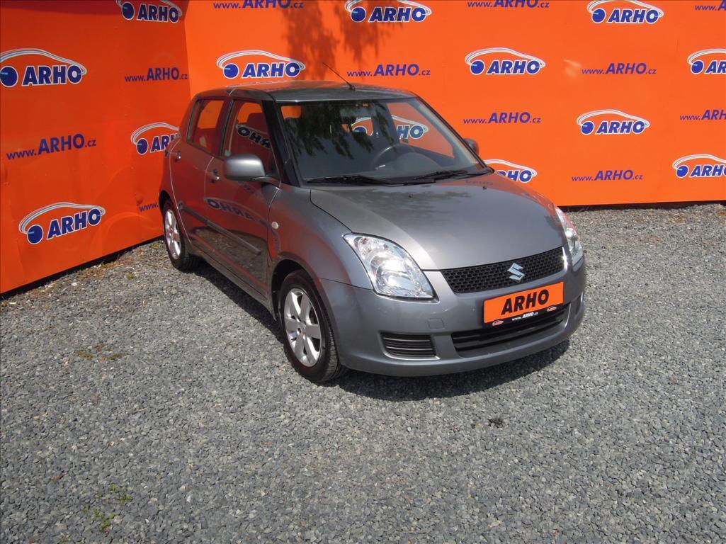 Suzuki Swift - 1.3 i ÈR 1 MAJ. SERVISNÍ KN., hatchback, Benzín
