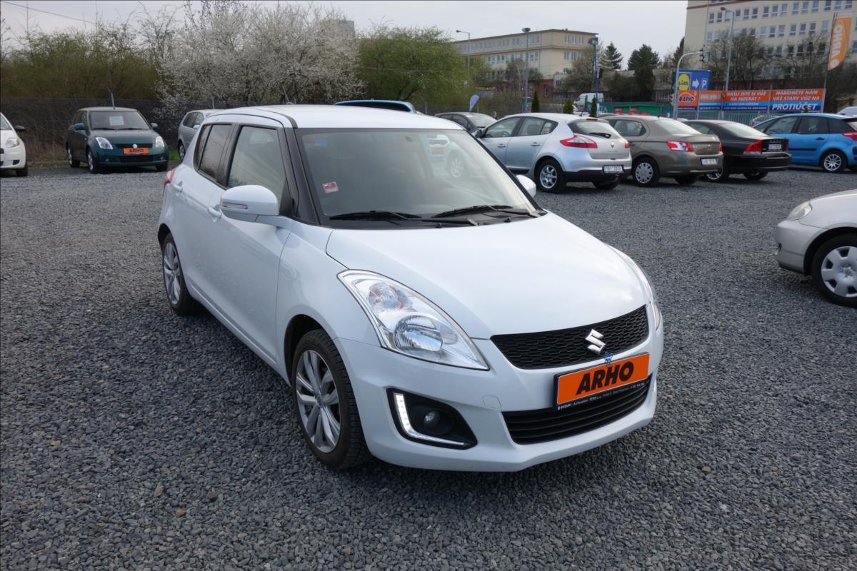 Suzuki Swift 1,2 i, ČR, 1 MAJ., TOP VÝBAVA.