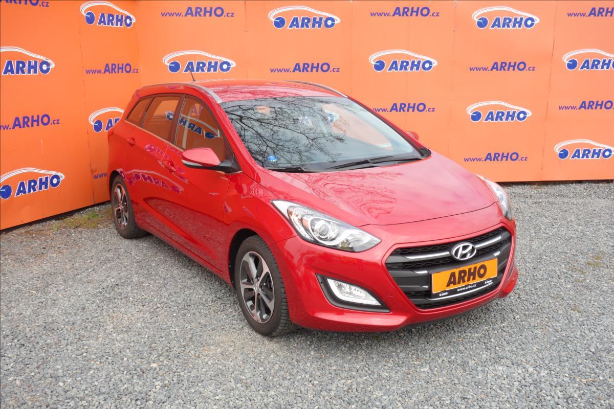 Hyundai i30 1,6 i 99KW,ČR,1 MAJ.,WEEKEND.