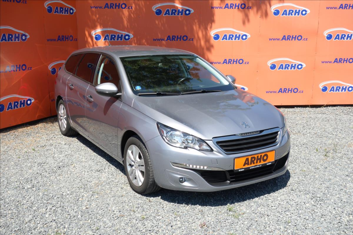 Peugeot 308 1,2 i 96KW,ČR,1 MAJ,AUTOMAT.