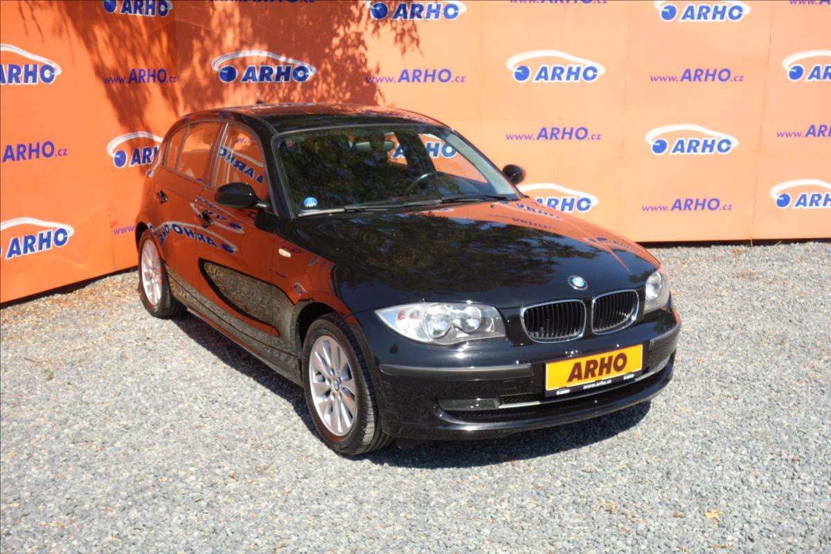 BMW Řada 1 316i 85KW, KLIMATIZACE.