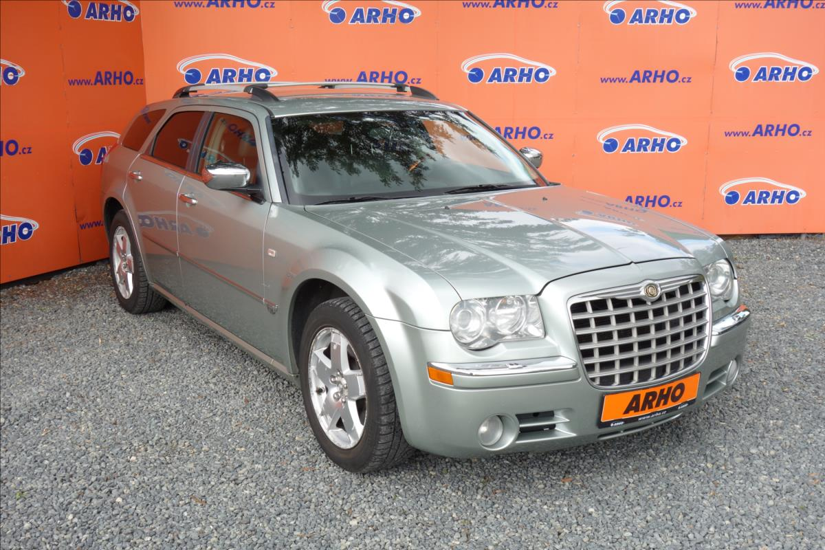 Chrysler 300C 3,5 V6 183KW,ČR,1 MAJITEL,AWD.