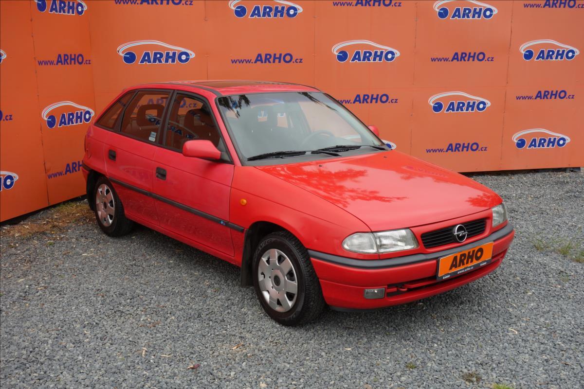 Opel Astra 1,4 KOUPENO NOVÉ V ČR,SERVO.