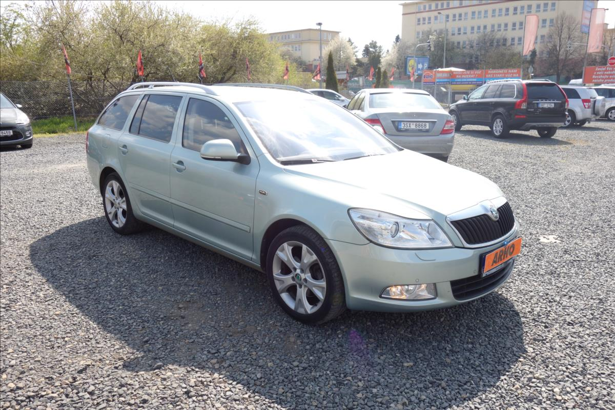 Škoda Octavia 2,0 TDi,ČR,2 MAJ.,L&K,DSG,4x4.