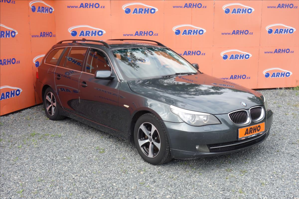 BMW Řada 5 525d 145KW,SERVISNÍ KNIHA.